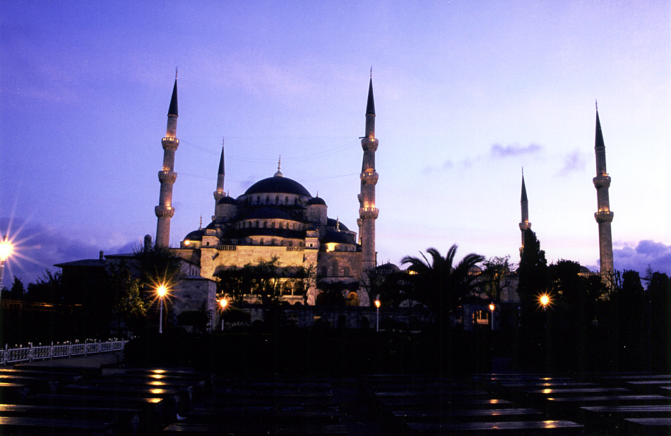S-blue mosque night 1