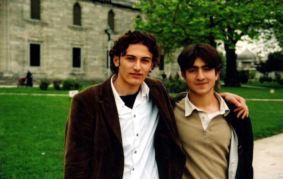 university students at suleymaniye camii