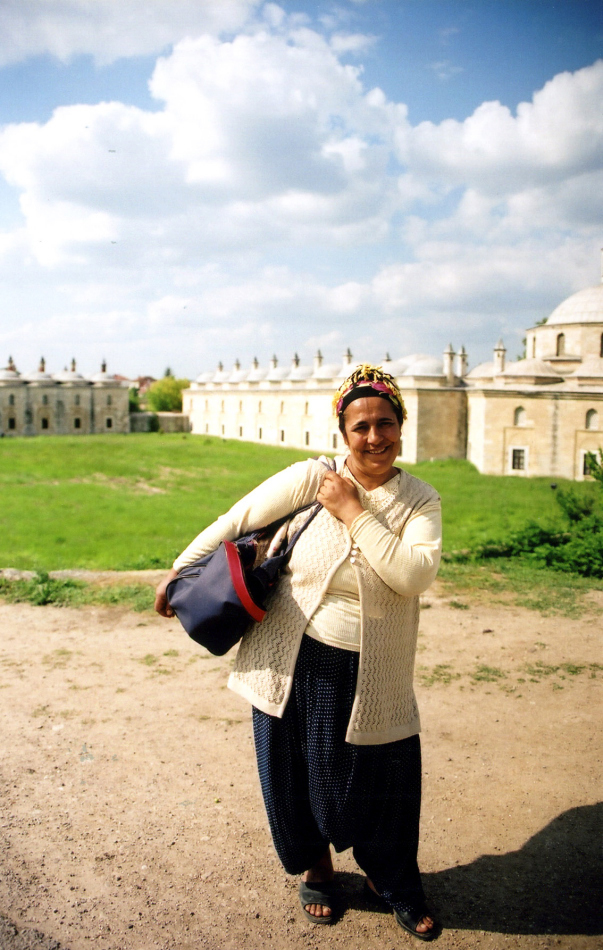 woman in front of Beyazit Kulliyesi