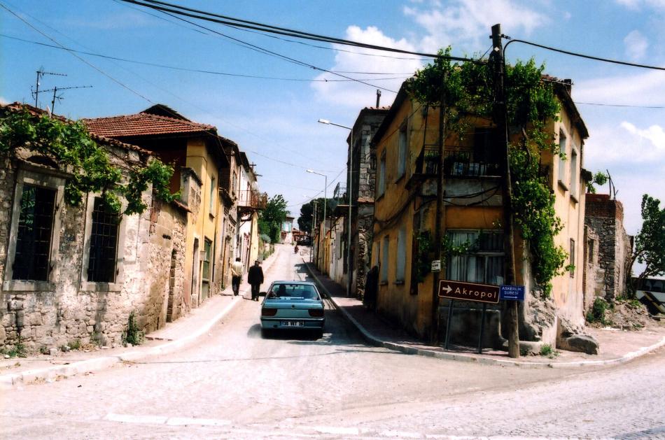 bergama streetscape_01