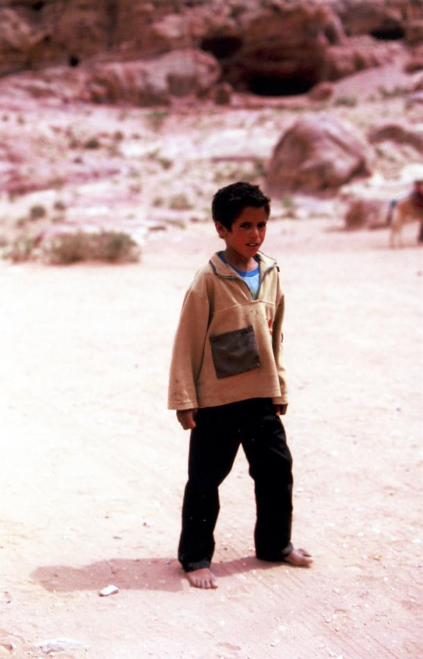 bedouin kid at snake monument